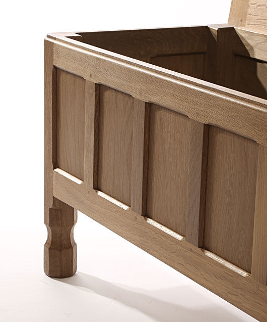 BE070 Solid Oak Blanket Chest 4