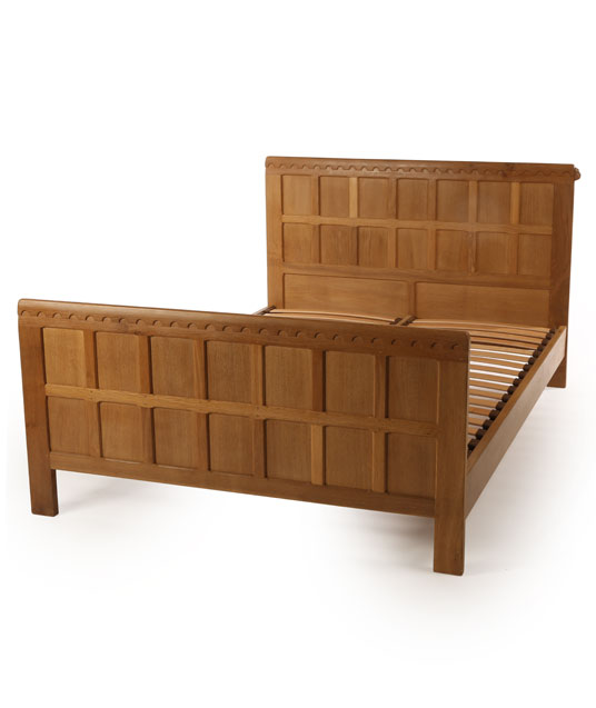 BE010 Solid Oak Panelled Bedstead 5'W