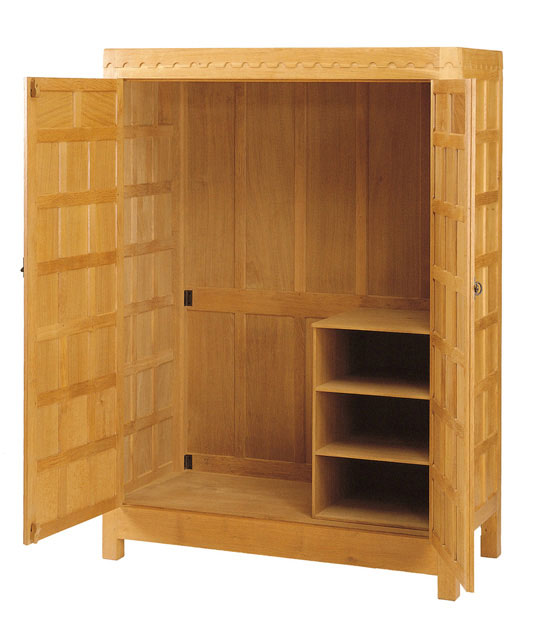 BE140 Solid Oak Wardrobe with Fittings 4'W